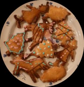 Biscuits sablés décorés et coupés à l'emporte-pièce, par JoanaS